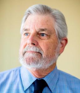 """Jim Wells, ex oficial de pesticidas de California, dijo que fue """"fue como cuando Kennedy fue asesinado"""" el día de 1990 en que supo de altos niveles de 1,3-D en Merced."""