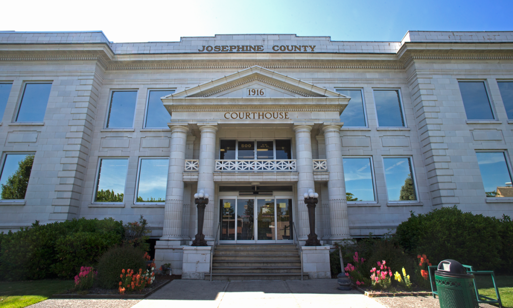 The Josephine County Courthouse in Grants Pass, Oregon, was built in 1916.