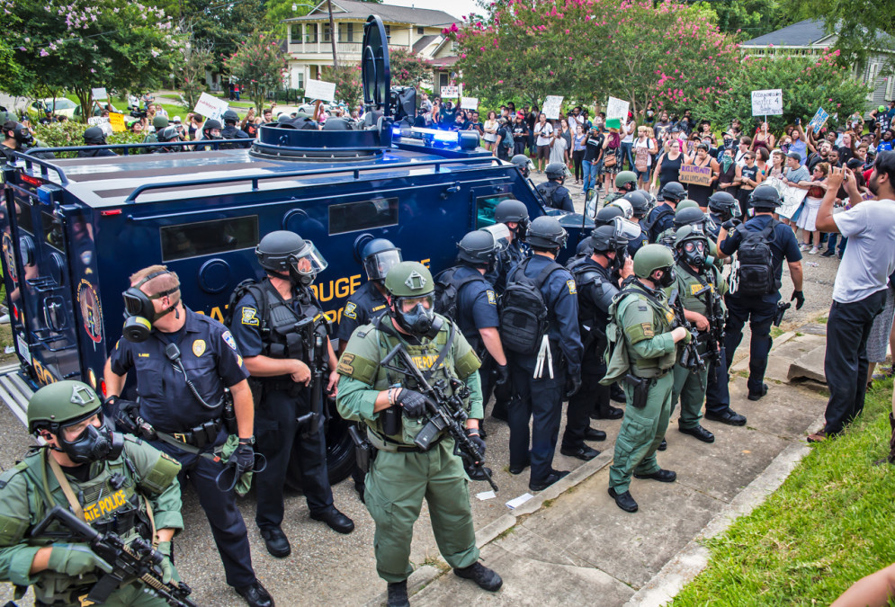 militarization of police Kara dansky says the militarization of police is a deliberate strategy funded by federal agencies to fight the war on drugs.