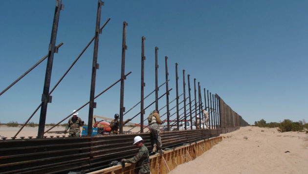 Miles Of USMexico Wall Not Needed Exborder Officials Say - Us mexico border map with length