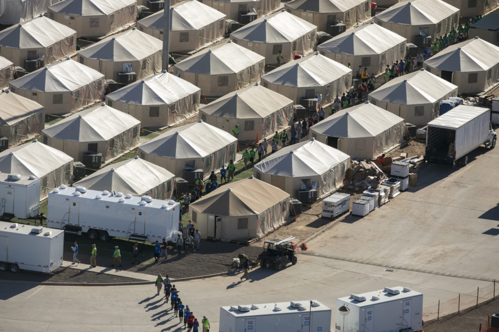 Texas Kids Werent Kept Out Of Special >> At Tornillo Tent City Shrouded In Secrecy Few Have Access To